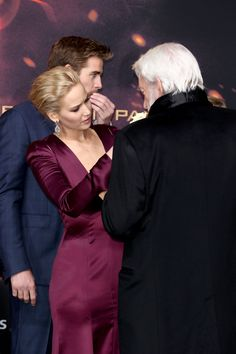 Jennifer Lawrence Is Her Best, Most Jennifer Lawrence-Self at the 'Mockingjay Part 2' Premiere  - ELLE.com