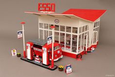 A stylish gas station: the classic Esso http://www.brothers-brick.com/2016/06/21/a-stylish-gas-station-the-classic-esso/