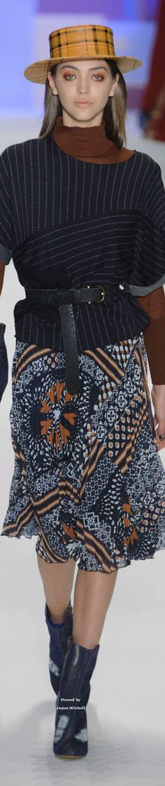 Desigual Collection fall 2016 Ready-to-Wear