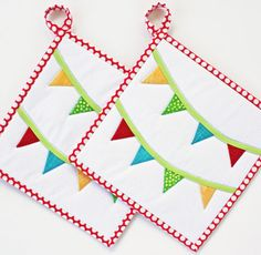 Summer Bunting  Potholders by TheMJCollection on Etsy