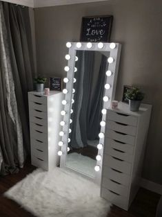 Full length beauty room mirror – You are in the right place about skincare art Here we offer you the most beautiful pictures about the skincare branding you are looking for. When you examine the Full length beauty room mirror – Bedroom Decor For Teen Girls, Cute Bedroom Ideas, Cute Room Decor, Girl Bedroom Designs, Room Ideas Bedroom, Bedroom Bed, Cute Teen Rooms, Diy Teen Room Decor, Bedroom Ideas For Teens