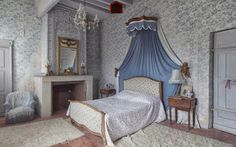 Abandoned French bedroom Derelict Places, Toddler Bed, Bedroom, Abandoned, Furniture, French, Home Decor, Abandoned Places, Child Bed