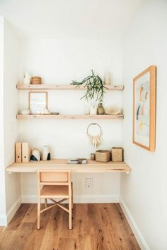 A mix of mid-century modern, bohemian, and industrial interior style. Home and apartment decor, decoration ideas, home… – office life Small Space Office, Home Office Space, Home Office Design, Home Office Decor, House Design, Office Style, Office Ideas, Small Spaces, Office Furniture