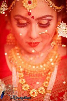 BenGaLi BaNgLaDeShİ BriDe  !!!!! Bengali Wedding, Bengali Bride, Desi Wedding, Wedding Bride, Asian Bridal, South Asian Wedding, Perfect Bride, Beautiful Bride, Wedding Rituals