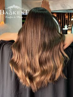 Sombre Hair, Long Hair Styles, Beauty, Long Hairstyle, Long Haircuts, Long Hair Cuts, Beauty Illustration, Long Hairstyles, Long Hair Dos