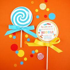 """Pour décorer une sweet table, personnaliser des goûters d'anniversaire ou décorer une table de mariage ou de baptême, les """"party printables"""" permettent plein de fantaisie et d'originalité à petit prix. Découvrez ici comment créer des invitations en forme de sucettes."""