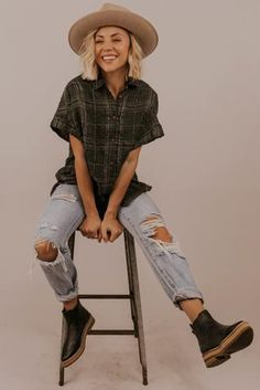 Shop Our New Spring Tops for Women Lesbian Outfits, Indie Outfits, Retro Outfits, Cute Casual Outfits, Boho Outfits, Hipster Outfits For Women, Plaid Outfits, Summer Tomboy Outfits, Grunge Winter Outfits