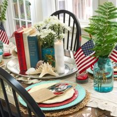 Love the vintage touches that uses in this lovely tabletop. Lots of ideas we can't wait to try! Independence Day Images, Cottages And Bungalows, Star Spangled Banner, Ball Jars, Old Glory, Beach Fun, Red White Blue, July 4th, Cottage Style