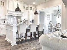 Nice 15 Timeless Modern Farmhouse Kitchen Makeover Ideas https://cooarchitecture.com/2017/07/27/15-timeless-modern-farmhouse-kitchen-makeover-ideas/