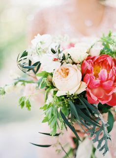 Pretty garden bouquet | Photography: Bonnie Sen  - bonniesen.com/