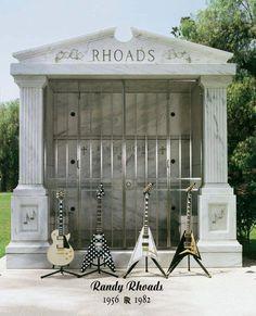 RIP, RANDY RHOADS !!