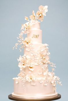 The Most Beautiful Rosalind Miller Wedding Cakes Made to Perfection #laceweddingcakes