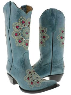 Turquoise leather cowboy boots with small flower design and rhinestones. Cowboy Boots Women, Cowboy And Cowgirl, Cowgirl Style, Cowgirl Fashion, Small Flower Design, Bear Wedding, Cool Boots, Festival Outfits, Hippie Boho