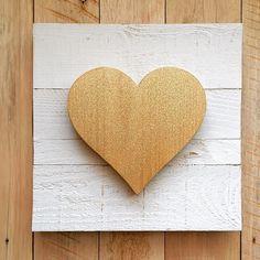 Gold glitter heart sign - Valentines