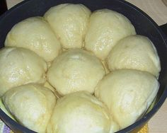 Großmama's Dampfnudeln Grandma's steamed noodles, a good recipe from the category Germany. Dutch Recipes, Cuban Recipes, Veggie Recipes, Baking Recipes, Bread Recipes, German Baking, British Baking, German Bread, German Recipes