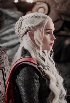 gameofthronesdaily:  Daenerys Targaryen in Game of Thrones 7.05 (x)
