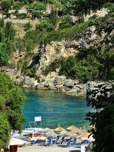 Ne-am cumpărat plajă! Și o mare de cărți poștale |  #Corfu #Island #beaches #postcard #view #liapades #trip #europe #CrisJourneys #TheRoadToSummer Greece, Corfu, Greece Country