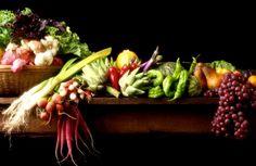 Centro Eco-Cultural realiza feira com frutas e legumes produzidos no Sítio Santa Edwiges, em Ibiúna.