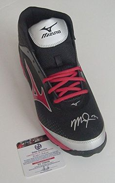 7dddd8ef9681f4 Mike Trout Los Angeles Angels Signed Autographed Mizuno Baseball Shoe Cleat  COA at Amazon s Sports Collectibles Store