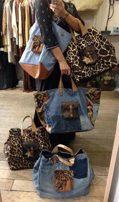 Bag Pomponette Marseille by dianne Diy Jeans, Love Jeans, Patchwork Bags, Quilted Bag, Jeans Recycling, Jean Purses, Denim Purse, Denim Ideas, Denim Crafts