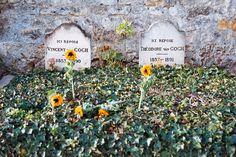 entremesyeuxetlemonde:Tombes de Vincent et Théodore Van Gogh, cimetière d'Auvers sur Oise, scan de négatif, 2014