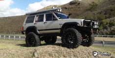 Jeep Cherokee with Fuel Wheels Maverick - Lifted Jeep Cherokee, Jeep Grand Cherokee Zj, Jeep Truck, Jeep Xj Mods, 4x4, Old Jeep, Bug Out Vehicle, Custom Jeep, Shopping