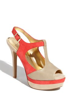 Jessica Simpson has so many cute shoes. Love these! You can find them at nordstrom.com