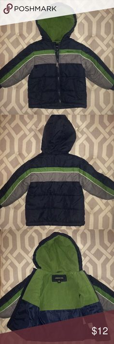 """Boys' London Fog Puffer Coat, Size 4T Barely worn! Very well-made puffer coat in classic navy/gray/green color combo. Also contrasting off-white piping. Flannel lining in hood for extra warmth. Another cute coat grown out of after just a few wears. Measures 16"""" from shoulder to hem. Measures about 14"""" from shoulder seam to wrist. Very slight dislocation on piping along arm  (see last photos). Otherwise in great condition. London Fog Jackets & Coats Puffers"""