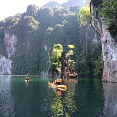 Kayaking Tour to Cheow Lan Lake Green Andaman Travel is pleased to be the booking agent for Thailand Kayak. Welcome to Kayaking in Thailand. We exclusively offer kayaking in Cheow Lan Lake Khao Sok…