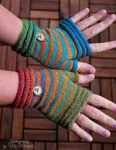 Crochet Patterns Gloves … Coziness fingerless Mitts from Doreen Laffrenzen's Ravelry Store Fingerless Gloves Knitted, Knit Mittens, Knitting Socks, Loom Knitting, Hand Knitting, Knitted Hats, Knitting Patterns, Crochet Patterns, Crochet Gloves Pattern