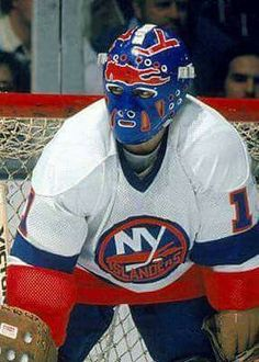 New York Islanders goalie Glenn Chico Resch Ice Hockey Teams, Hockey Goalie, Hockey Games, Hockey Stuff, Gangs Of New York, Frozen Pond, Goalie Mask, New York Islanders, Masked Man