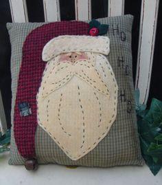 Weihnachten Santa Applique Pillow E Pattern - JudeBuxom. Christmas Applique, Christmas Sewing, Christmas Embroidery, Primitive Christmas, Primitive Santa, Christmas Patterns, Christmas Cushions, Christmas Pillow, Felt Christmas