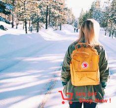 Kanken Bacpack yellow and snow white Mochila Kanken, Kanken Backpack, Baye Fall, Fjallraven, Mode Style, Photoshoot, Mens Fashion, Backpacks, How To Wear