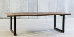 Table contemporaine en bois et métal TECKLA metafor-design.com
