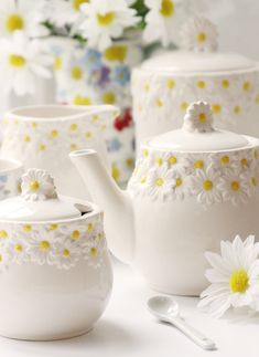 Step into Spring with Gisela Graham's Daisy Days ceramic tableware collection, featuring a unique daisy design they are the perfect way to welcome Easter into the home. Description from giselagraham.co.uk. I searched for this on bing.com/images