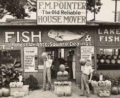 Walker Evans, Roadside Stand Near Birmingham/Roadside Store Between Tuscaloosa and Greensboro, Alabama, 1936. Collection of the J. Paul Getty Museum, Los Angeles.  © Walker Evans Archive, The Metropolitan Museum of Art, New York.