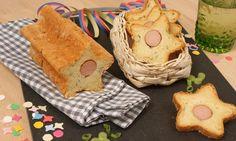 Sternen-Brot aus einem Kartoffelteig gefüllt mit einem Wiener Würstchen