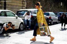 Paris – Giovanna Battaglia. #Fashion, #FW16, #GiovannaBattaglia, #Moda, #Mode, #Paris, #PFW, #SS17, #Street, #StreetStyle, #Style #Woman, #Women Photo © Wayne Tippetts