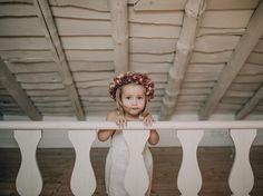 Damita de boda. Wedding. Melissa villarreal. Grace villarreal. tocado. corona flores.