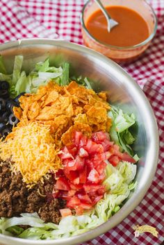 Potluck Taco Salad Ingredients 1 pound ground beef your favorite taco seasoning(s), mine is below heads icebe. Taco Salad Ingredients, Keto Taco Salad, Taco Salad Recipes, Mexican Food Recipes, Mexican Dishes, Potluck Dishes, Potluck Recipes, Dinner Recipes, Cooking Recipes