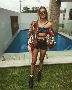 The Effective Pictures We Offer You About Festival Outfits sequin A quality picture can tell you man Coachella Festival, Music Festival Outfits, Music Festival Fashion, Rave Festival, Festival Wear, Fashion Music, Creamfields Fashion, Diy Festival Clothes, Woman Fashion