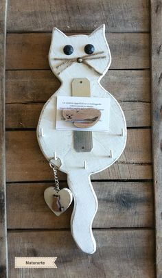 Keyhanger Cat with cat-magnet | Etsy Pallet Crafts, Wooden Crafts, Diy Wood Projects, Art Projects, Wood Craft Patterns, Bois Diy, Wood Animal, Diy Holz, Cat Crafts