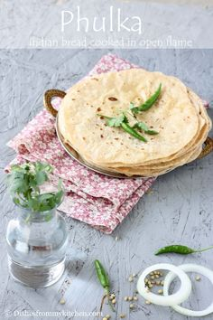 PHULKAS - INDIAN BREAD COOKED ON OPEN FLAME
