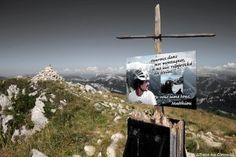 Croix au sommet de la Grande Sure - Massif de la Chartreuse - Randonnée Montagne Isère Alpes
