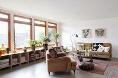 Deco little house Modern Farmhouse Living Room Decor, Home Living Room, Living Room Designs, Living Spaces, Low Bookshelves, Audio Room, Piece A Vivre, Nordic Interior Design, Cool Rooms