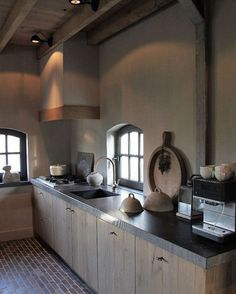 LOVE this kitchen with a lighter color wall Kitchen Interior, Kitchen Inspirations, Beautiful Kitchens, Cool Kitchens, Industrial Style Kitchen, Home Kitchens, Rustic Kitchen, Kitchen Style, Design My Kitchen