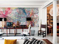 the wall art ... color ... Mezcla de arte contemporáneo y antigüedades