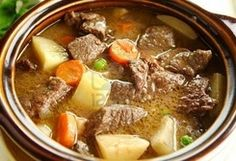 Romanian Potato Stew / Tocana de cartofi romaneasca :: Romanian Food Recipes