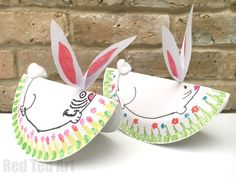 Oh my goodness, these Rocking Bunnies are so CUTE!!! Love how very easy these paper plate bunny rabbits are to make (and no mess, no paint, and only a tiny bit of glue) and yet how adorable they are! Love love love Paper Plate Crafts for Easter!!