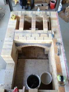 Looks like a Bourry box kiln under construction